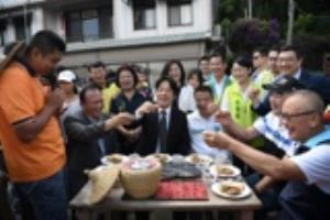 Premier Lai inspects rural regeneration programs in Miaoli