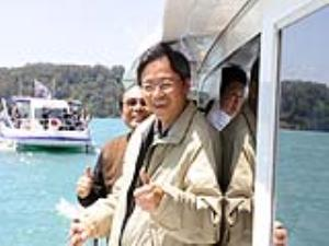 Premier Chang inspects Sun Moon Lake tourism development