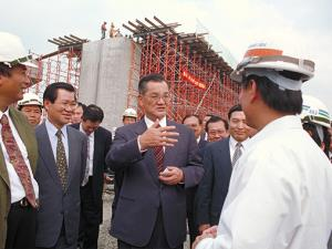 Premier Lien inspects Kaohsiung Interchange project