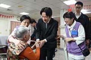 Premier Lai visits daytime senior care center at Cardinal Tien Hospital