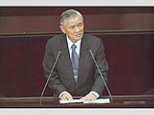 Premier Tang gives first report to Legislature